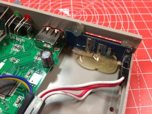 Oled-Display inbouw verzopen in hot glue