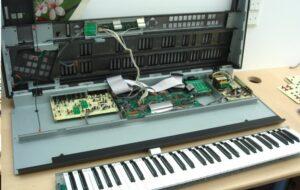 Gotek.nl Installeren voor Dummies : Gotek floppy in een synthesizer / keyboard / sampler