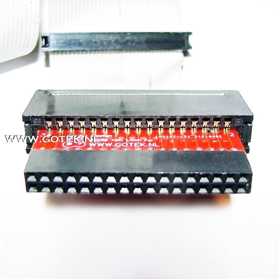 Gotek IDC-2-CardEdge adapter in een CardEdge Connector