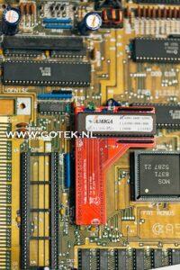 Lshape Kickstart Switch gemonteerd in een Amiga 500 Rev. 5